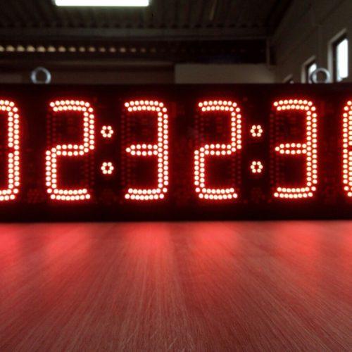 relogio-cronometro-esportivo-led-relogio-digital-corrida-rua-D_NQ_NP_162111-MLB20477900376_112015-F